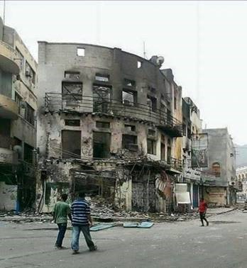Apartmnet-building-in-Creater-District-_Aden_destroyed-by-Artillery-bomving-on-April-2nd