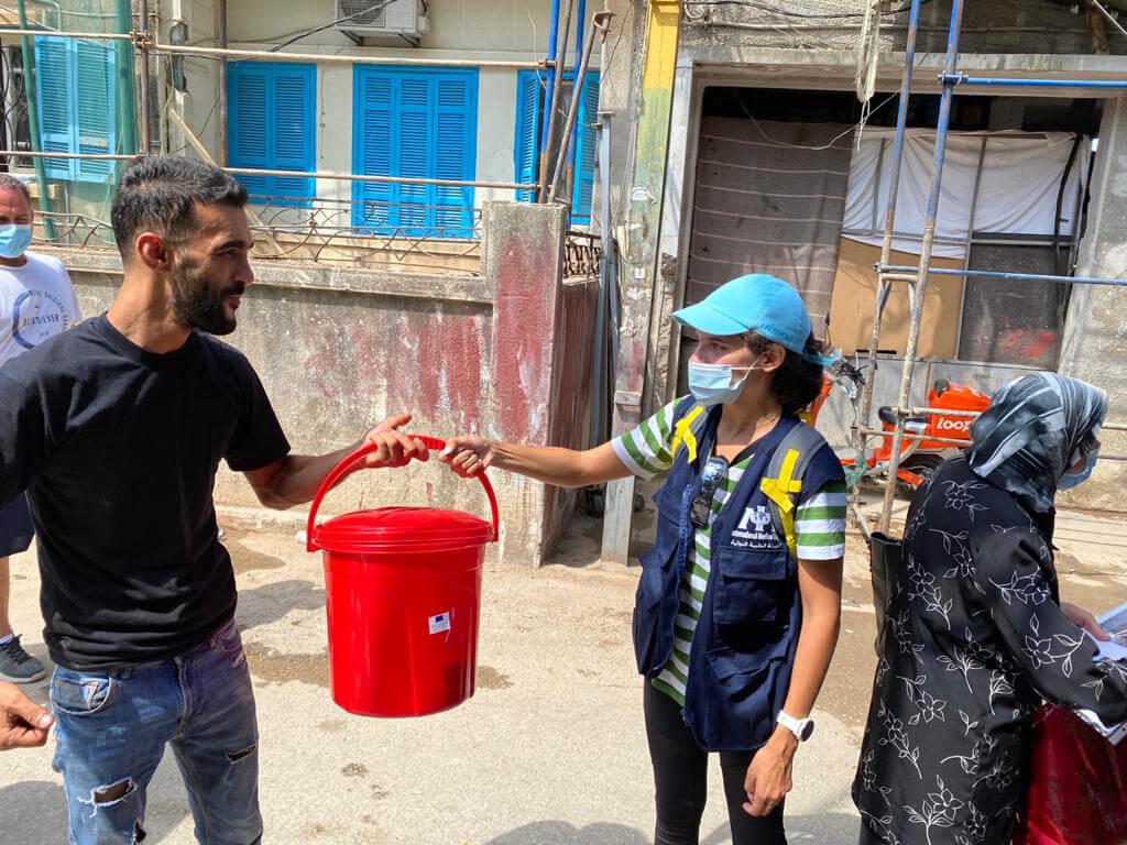 Hygiene kit distribution in the Moudawar neighborhood in Beirut.