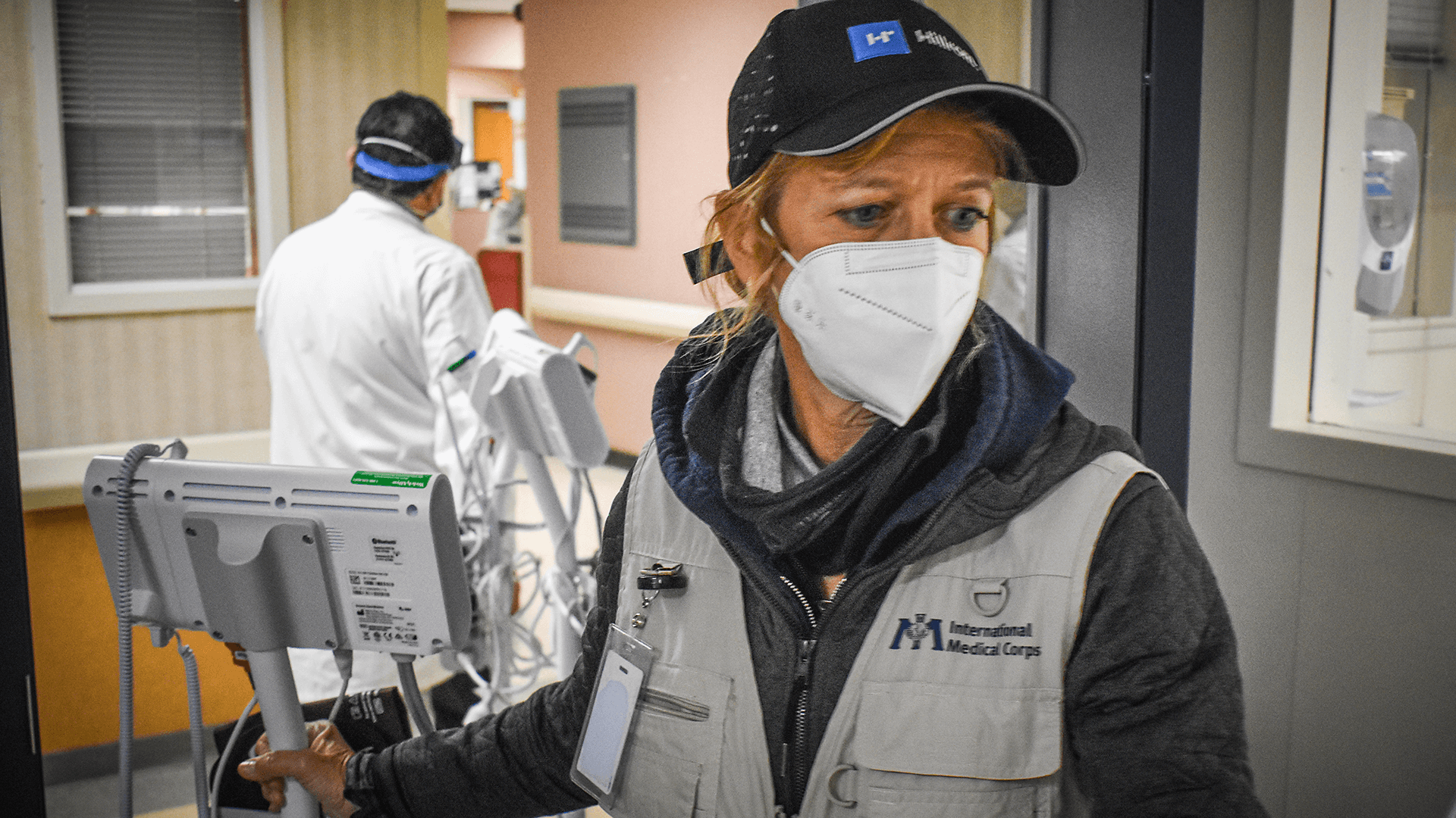 As the team lead for International Medical Corps' COVID-19 response in New York City at the height of the pandemic, Sue Mangicaro worked around the clock to get as many supplies to the city's overwhelmed hospitals as possible. Here, she works with the team to deliver 32 critically needed monitors to Flushing Hospital Medical Center and Jamaica Hospital Medical Center, both part of the MediSys Health Network.