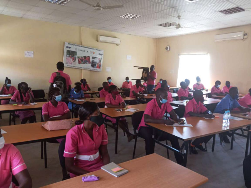 Midwifery students attend a research and training session at Juba College of Nursing and Midwifery. Photo credit: Mervis Muvuringi, Health Sciences Education Program Manager, International Medical Corps South Sudan.
