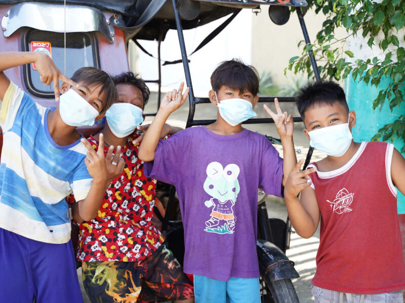 Our teams handed out hygiene kits to help prevent the spread of COVID-19 in the community of Angono in the Rizal province, in the Philippines.