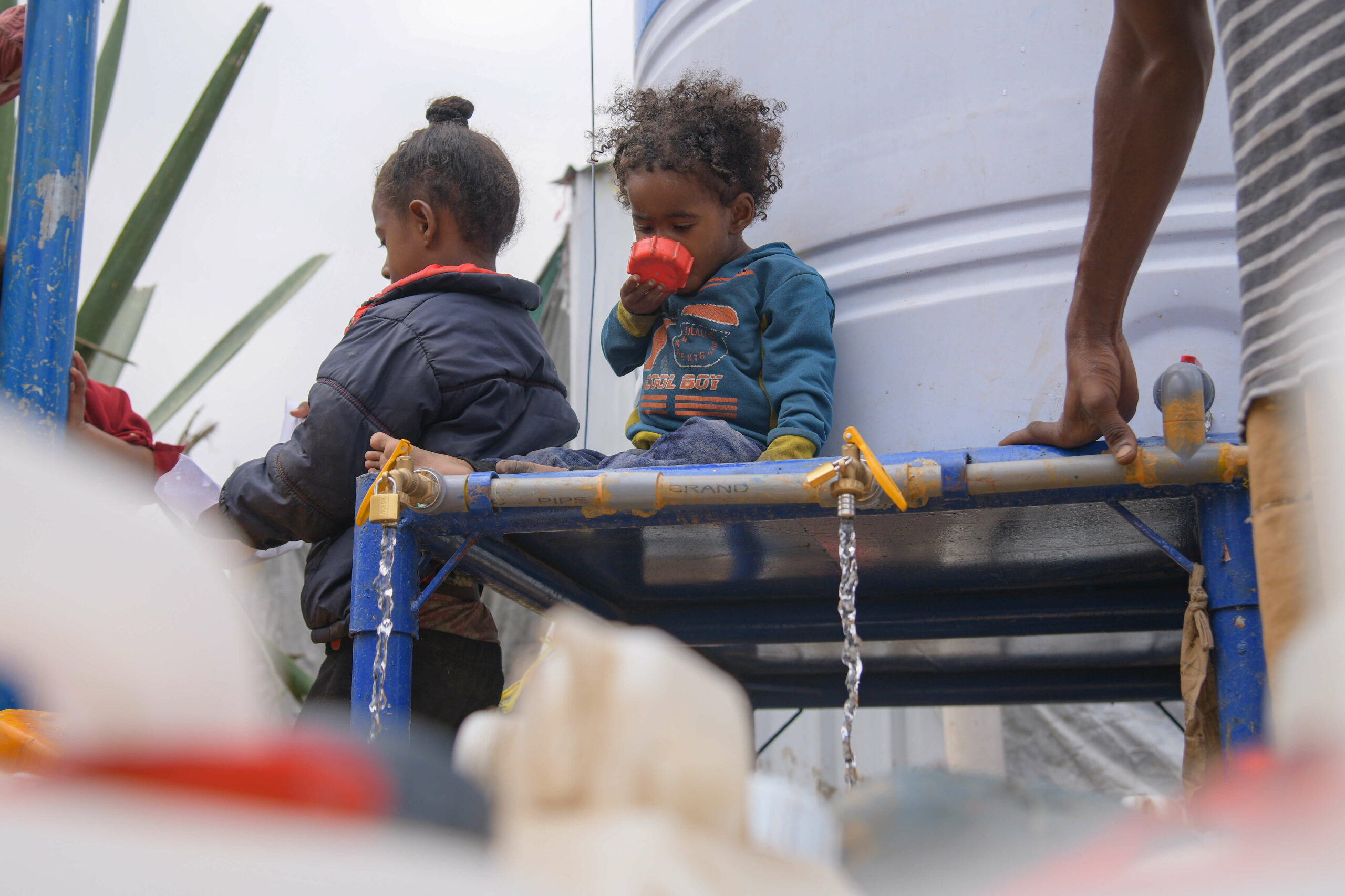 Children in the Heratha IDPs camp in Yemen where we provide clean water.