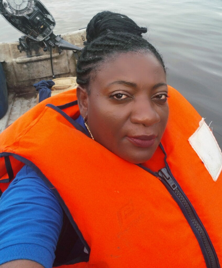 Dr. Dissake travels by sea to Manoka, in Cameroon's Littoral region, to supervise cholera relief activities.
