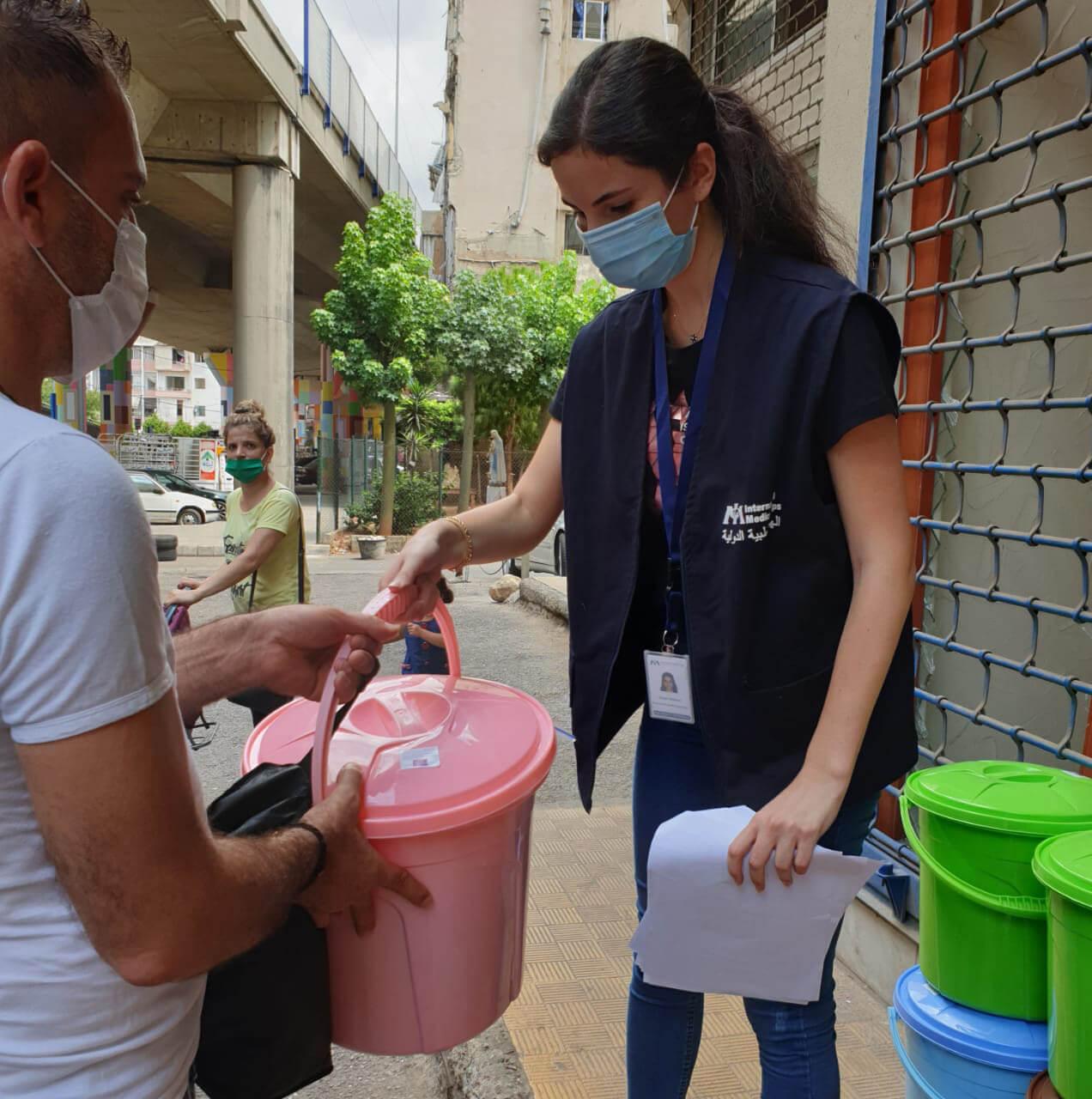 Hygiene kit distribution in Borj Hammoud.